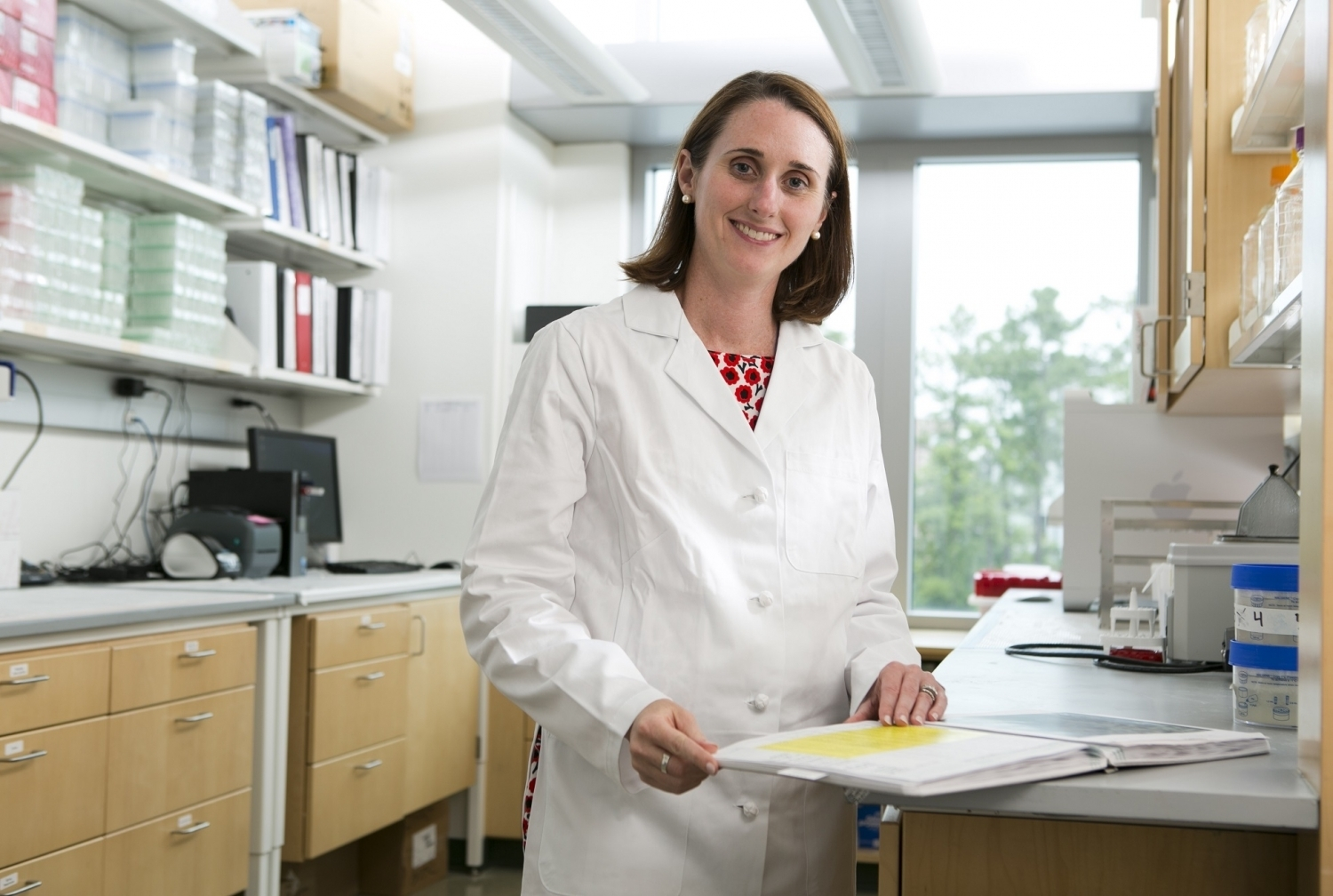 Woman standing in a lab