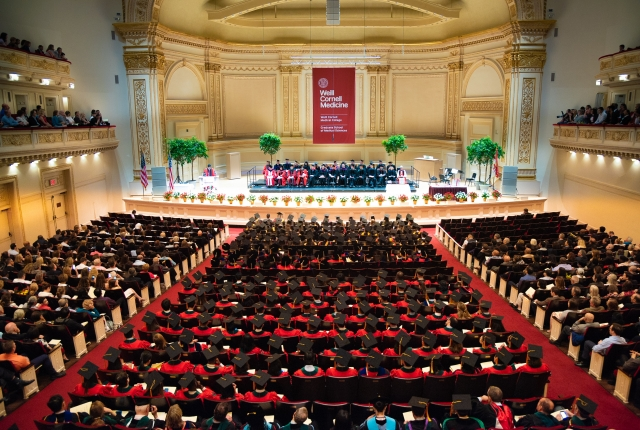 Commencement Honors Future Healthcare Leaders